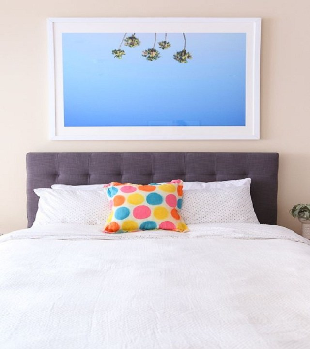 Polka dot pillow Affordable DIY Dorm Room Décor Ideas To Have Your New Square Feels Homey