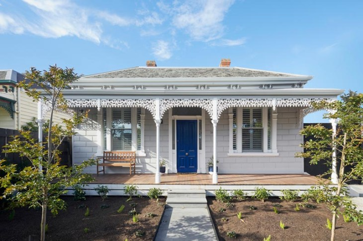 Victorian house with a double-height extension to retain the character of the period 1