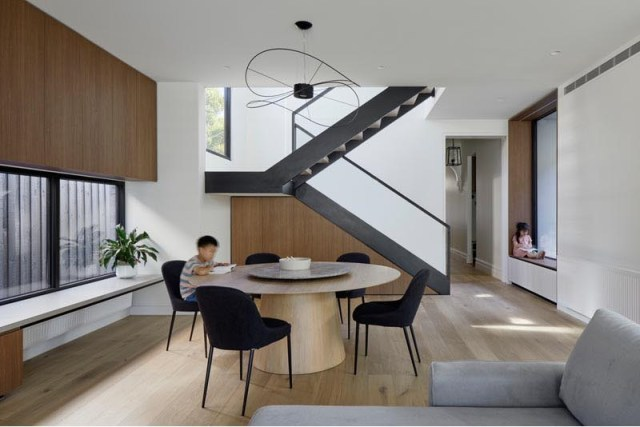 Victorian house with a double-height extension to retain the character of the period 6