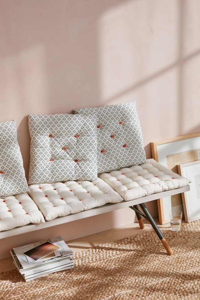 Knotted seat cushion Refreshing Summer Decoration Ideas To Give You Most Entertaining Space