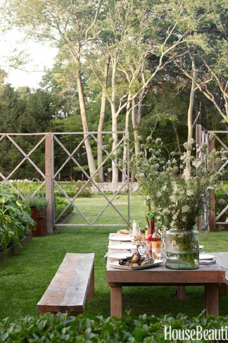 Picnic table Refreshing Summer Decoration Ideas To Give You Most Entertaining Space