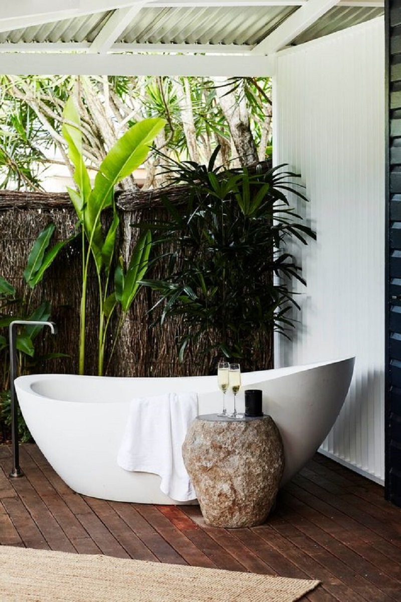 Contemporary luxurious outdoor tub Never Been Better Outdoor Tubs For The Most Relaxing Soaking Session