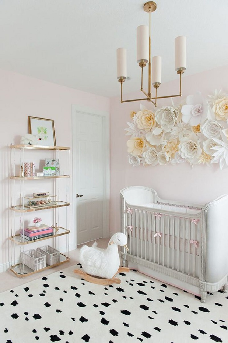 Swooning for swans theme Unchangeable Animal-Themed Ideas To Present The Most Adorable Nursery Space