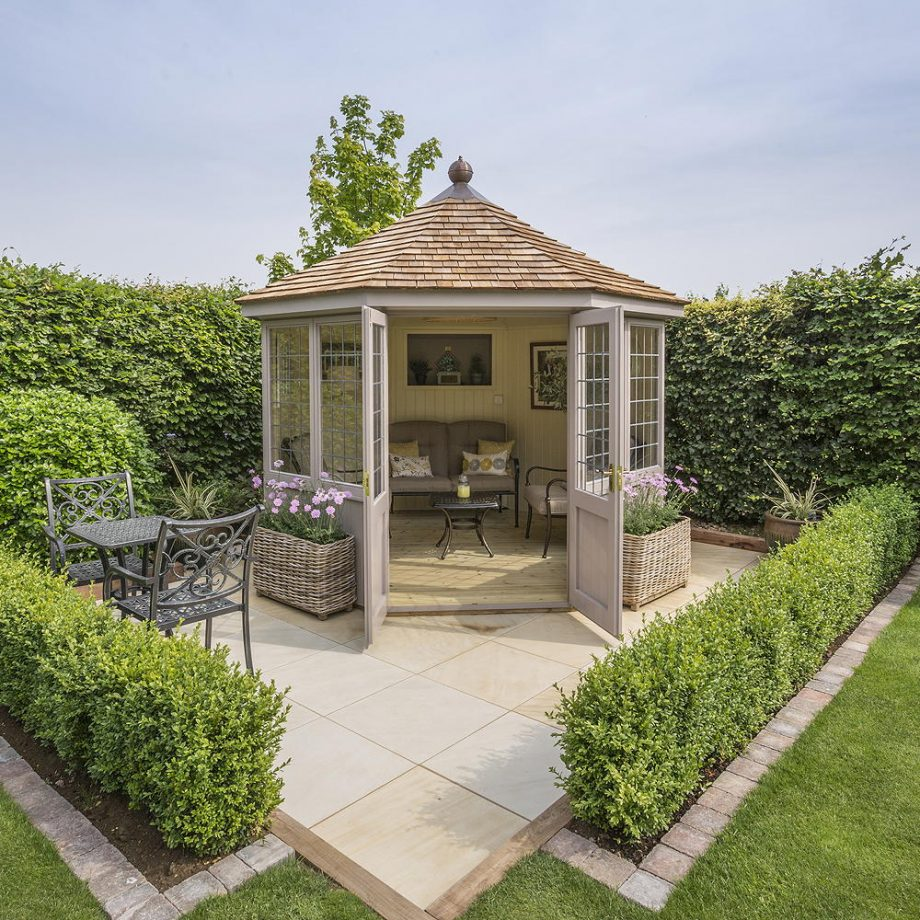 A quintessentially summer house Dreamiest Garden Room Design Ideas To Have A Lounging In An Idyllic Garden Retreat