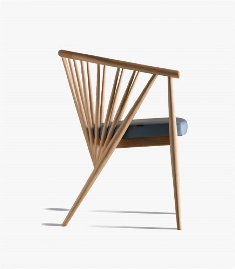 Ash wood armchair The Most Artistic Sculptural Chairs To Add An Exhibition Touch In Your Home