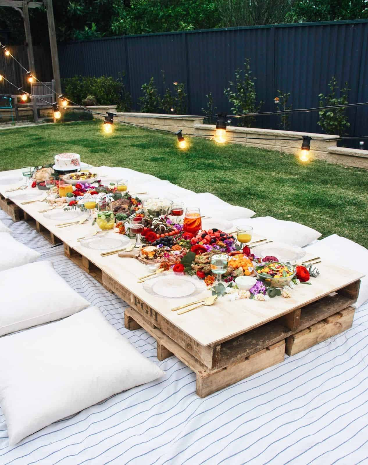 Charming extra table Embracing Summer Garden Party Ideas To Invite People Happiness In A Warmer Weather