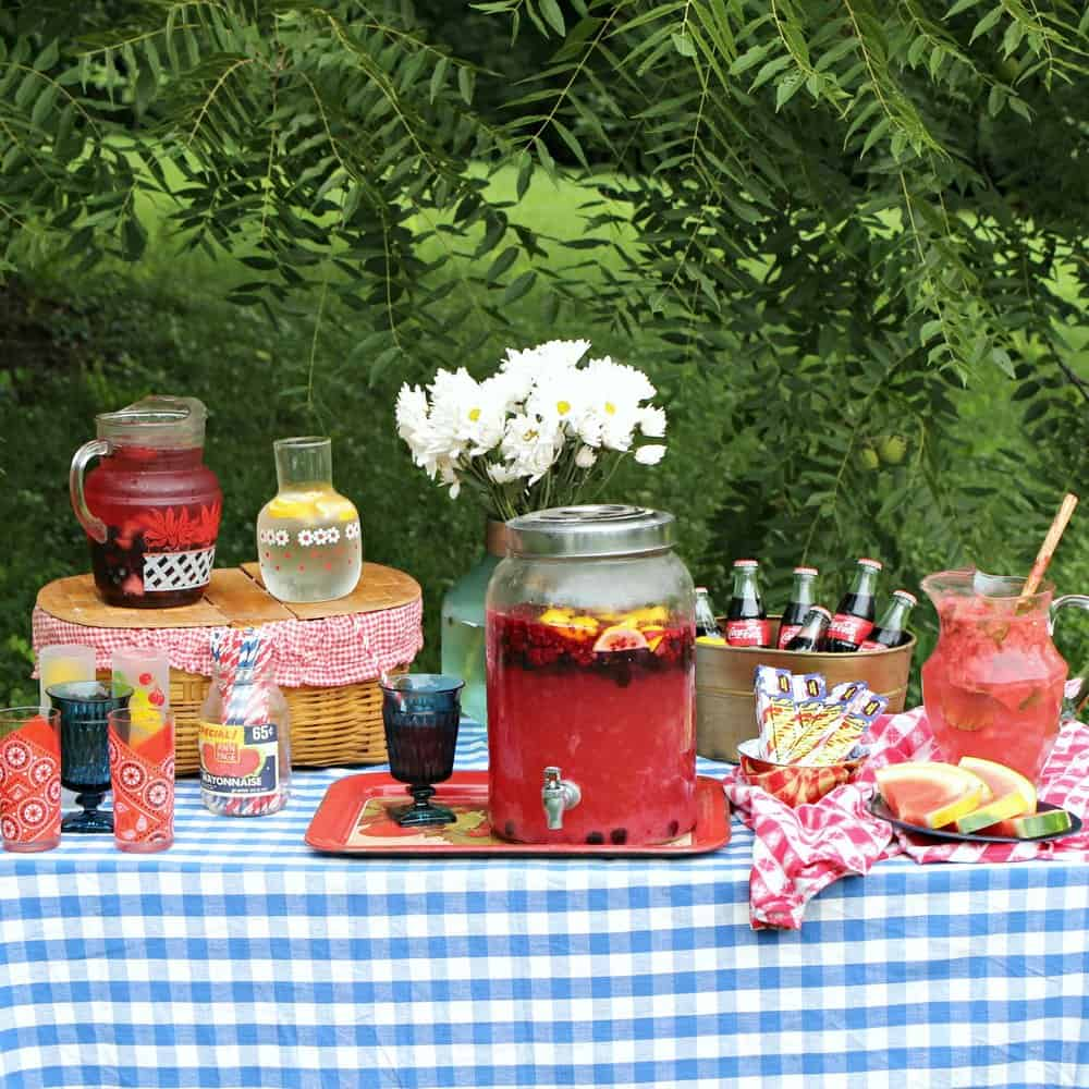 Drink station Embracing Summer Garden Party Ideas To Invite People Happiness In A Warmer Weather