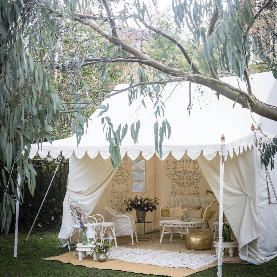Glamorous garden tent Dreamiest Garden Room Design Ideas To Have A Lounging In An Idyllic Garden Retreat