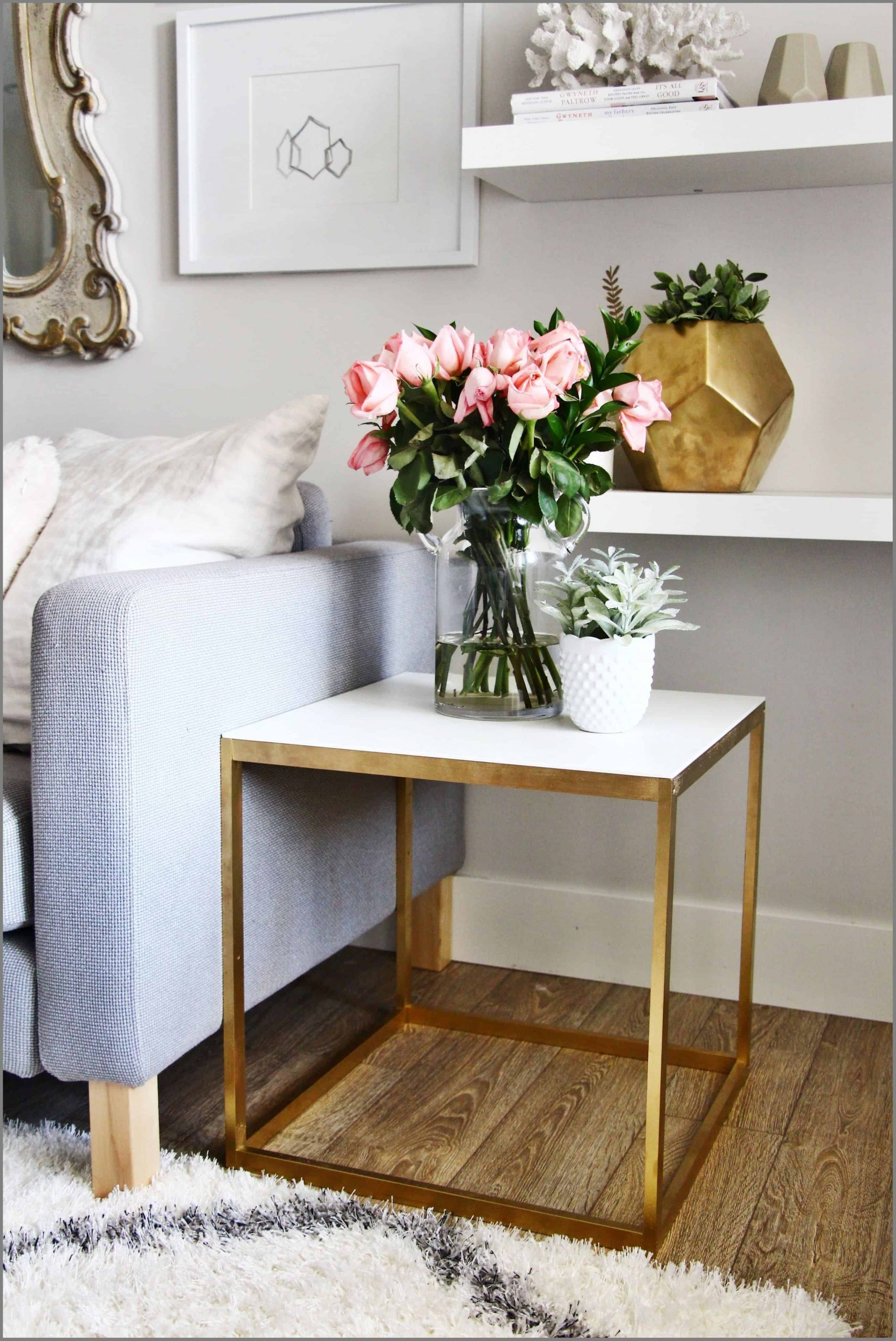 Gold side table Sophisticated Ways To Decorate Your Home With Gold Finish Outdated Décor