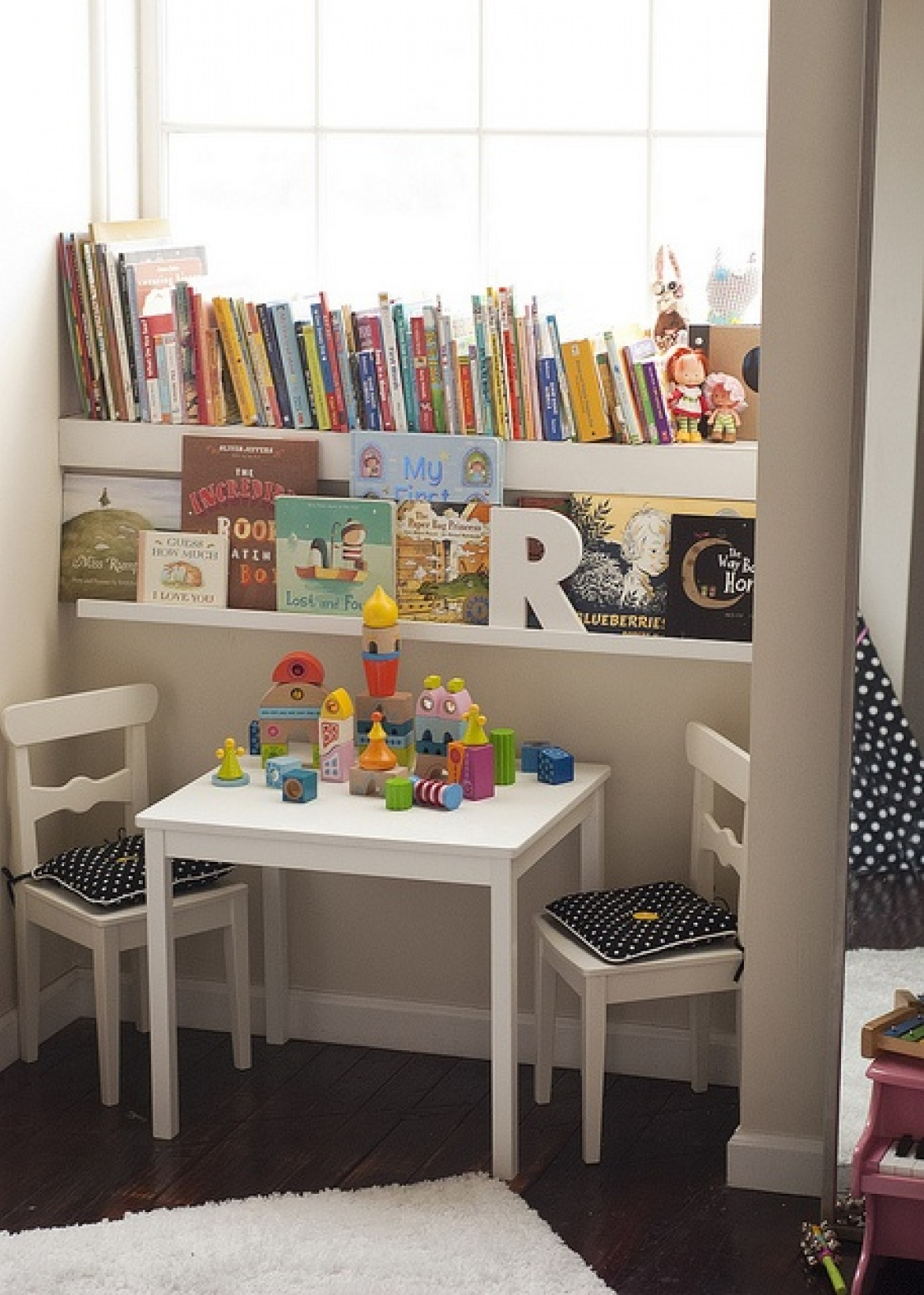 Window reading nook Entertaining Reading Nook For Your Kids To Enjoy The Wonderful Knowledge From Books