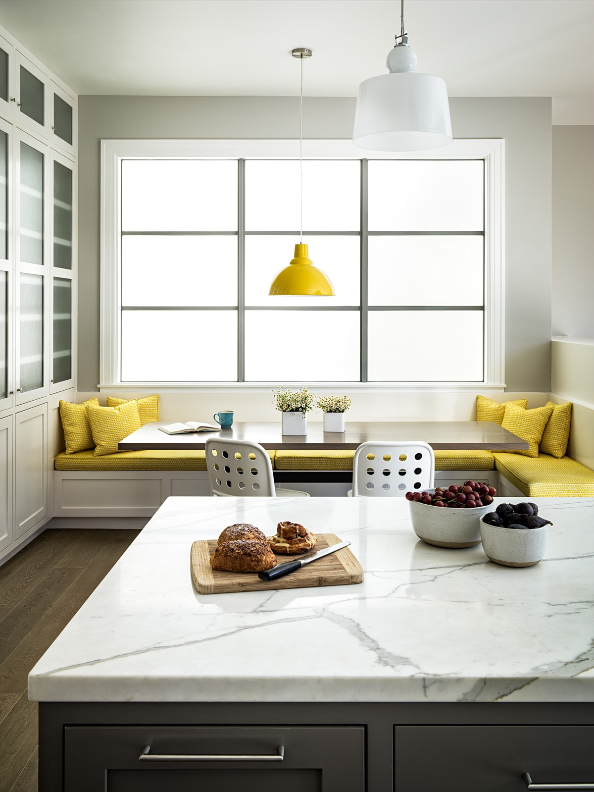 Clean breakfast nook Most-Wanted Breakfast Nook Ideas That Add Charm To Your Kitchen