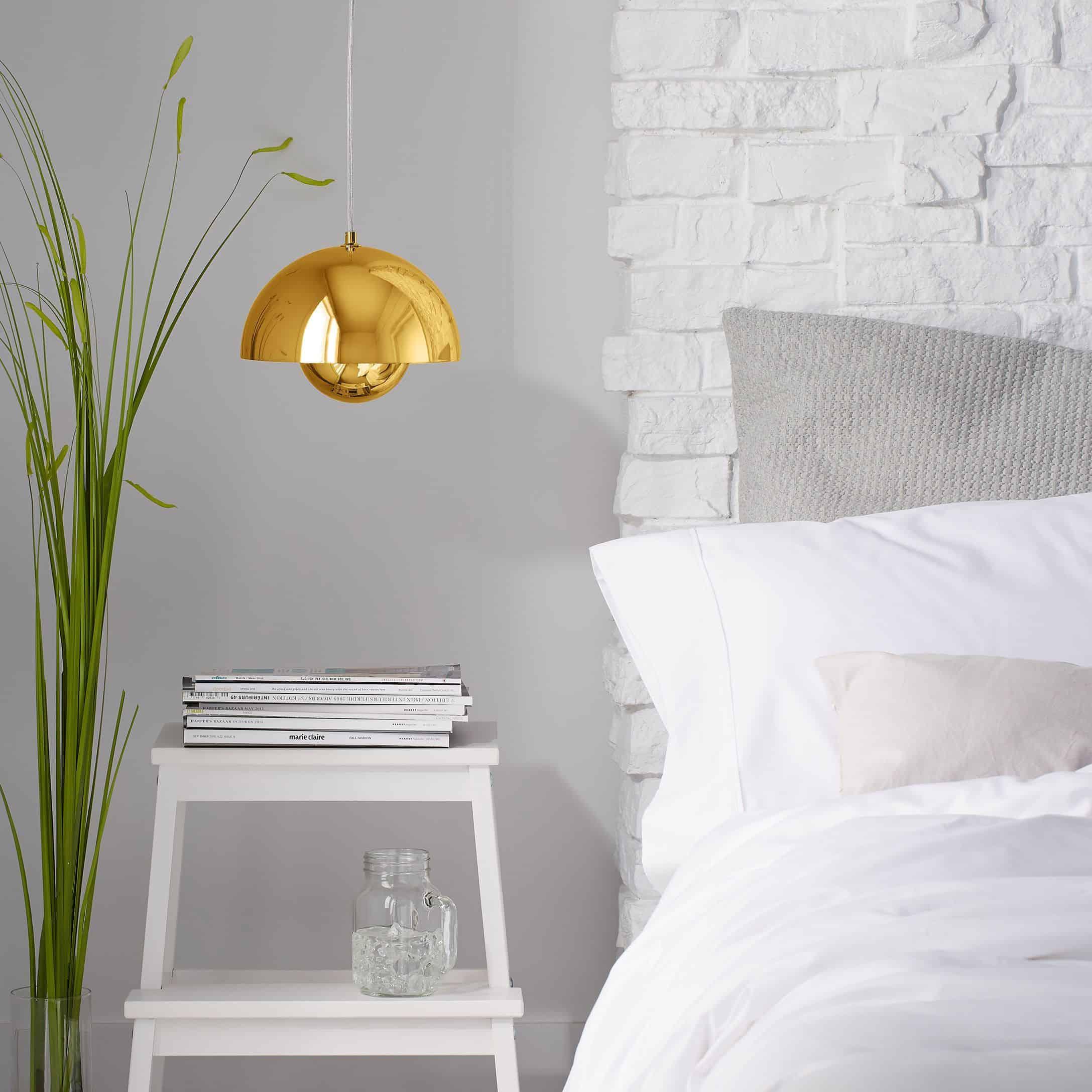 Metalik vurgular Tüm Gün Büyüleyici Daha Parlak ve Yatak Odası İçin Sarı Renk Kullanmanın Çekici Yolları