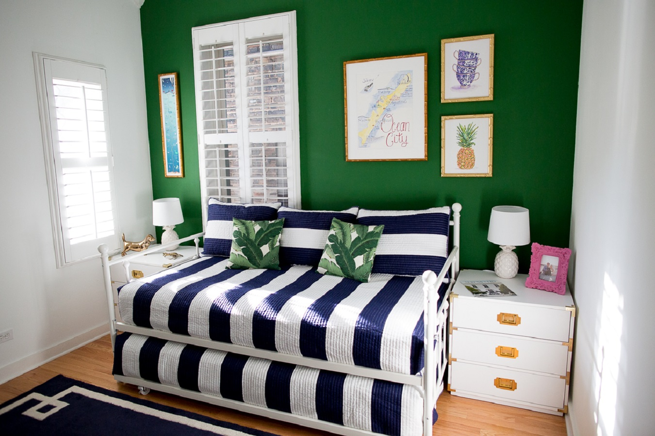 Pop of color guest room Incomparable Perfect Guest Room Ideas To Have A Label Of Perfect Hosts