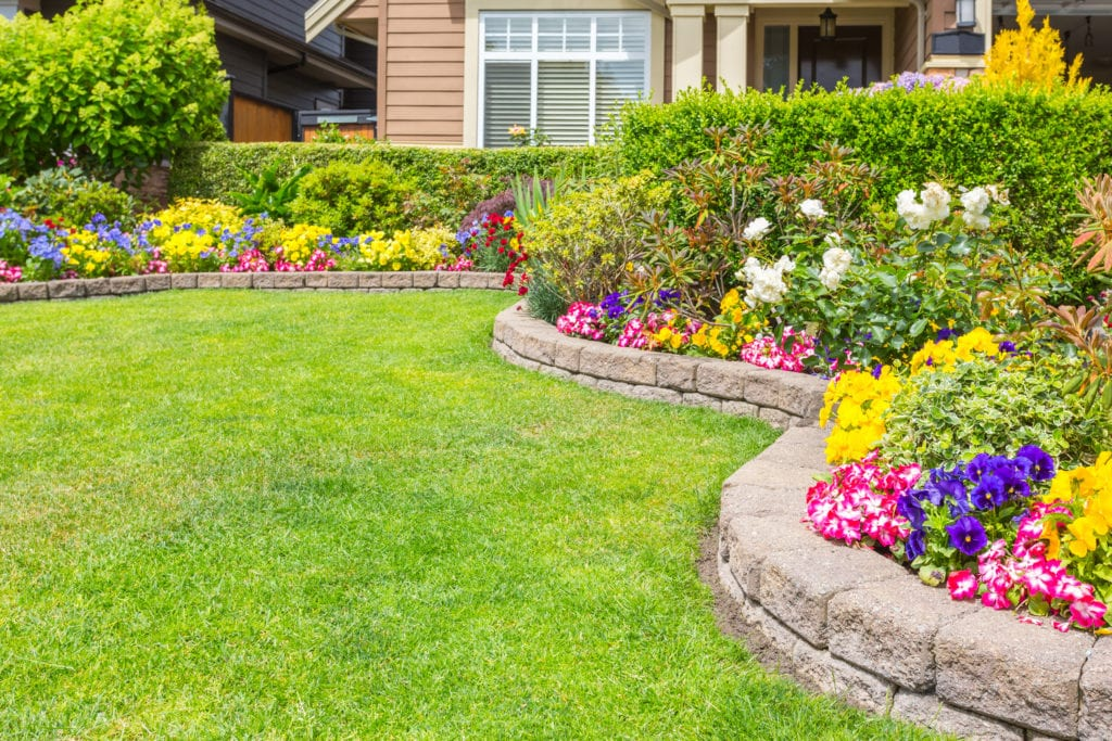 15 Front Yard Landscaping Ideas You Should to Try