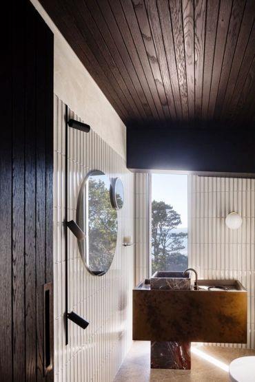 Bathroom-lighting-ideas-trevor-mein-hecker-guthrie-flinders-5-1557765122