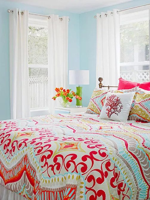 Tips How to Apply Colorful Decoration for A Small Bedroom
