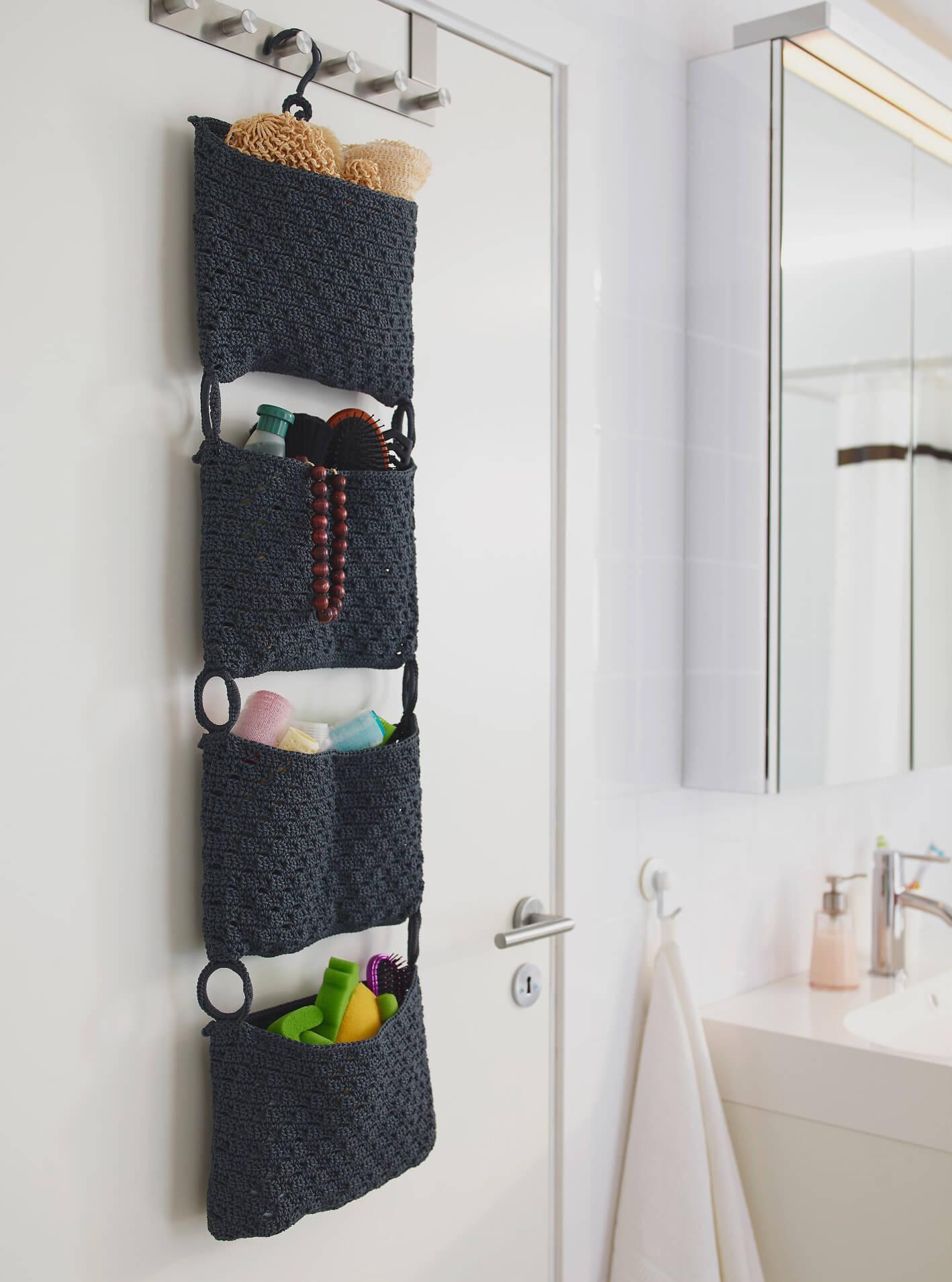02-hanging-bathroom-storage-ideas-homebnc