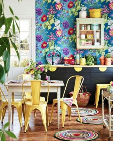 13-super-colorful-blue-wallpaper-with-bold-floral-prints-for-a-cheerful-summer-kitchen
