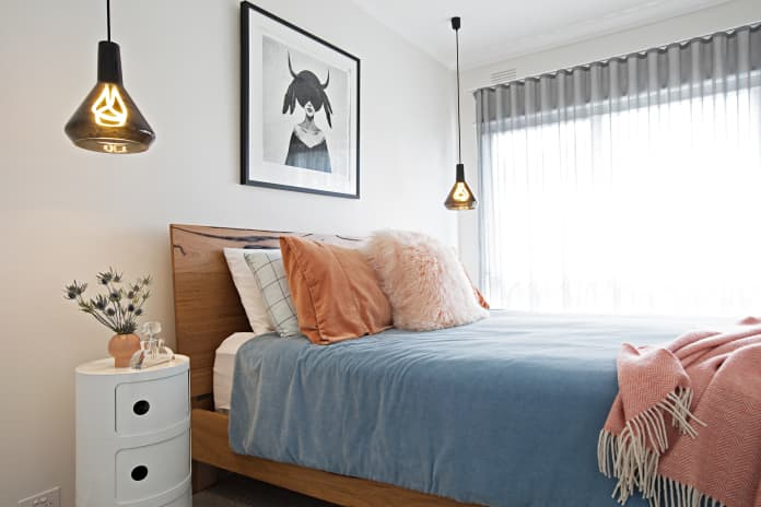How to Work with Your Small Bedroom? These 7 Ideas Will Help You