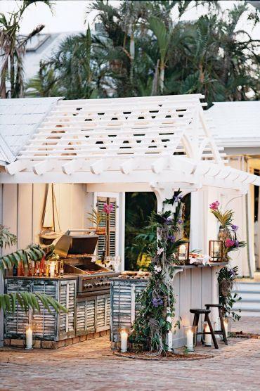 54bea49b88494_-_07-hbx-cypress-outdoor-kitchen-0506-s2