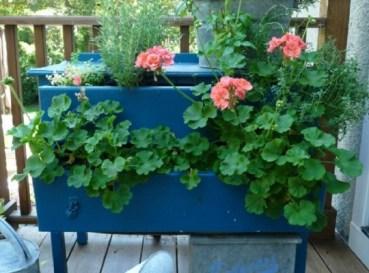 9-dresser-planter