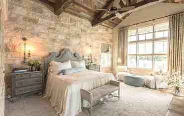 Serene-master-bedroom-decorating-ideas-19-1-kindesign