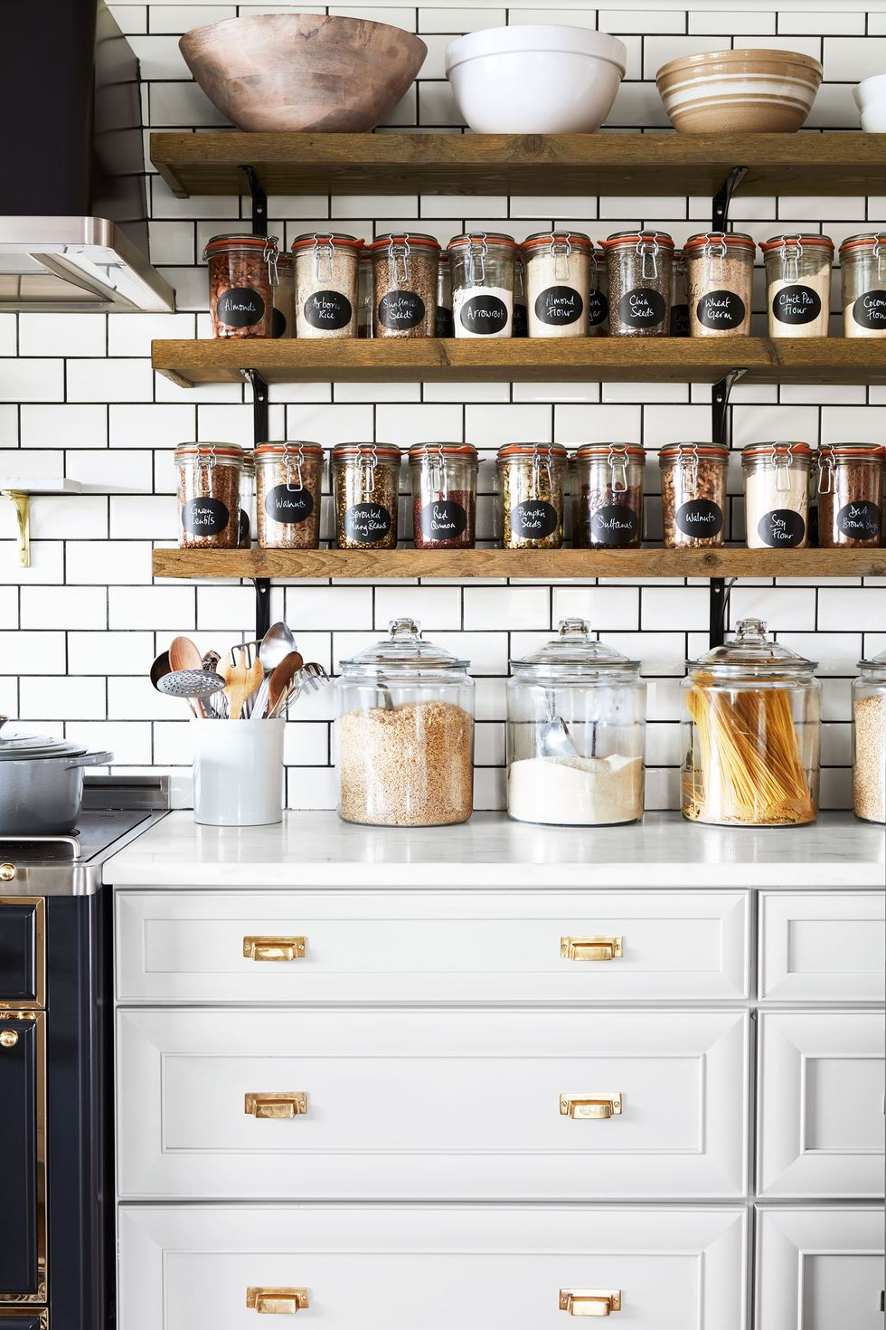 Tips to Organize the Kitchen and Free from Clutter