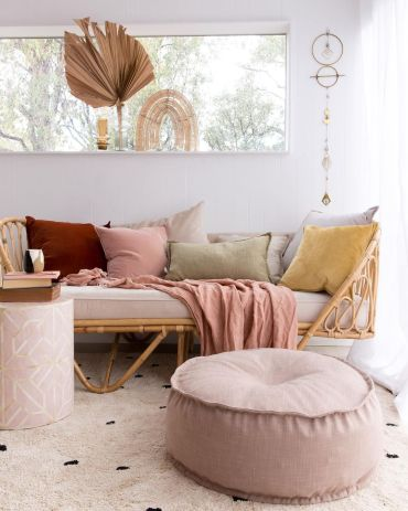 How-to-decorate-in-bohemian-style-kick-back-with-low-level-seating