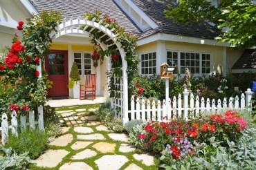 35-front-yard-landscaping-garden-ideas-homebnc