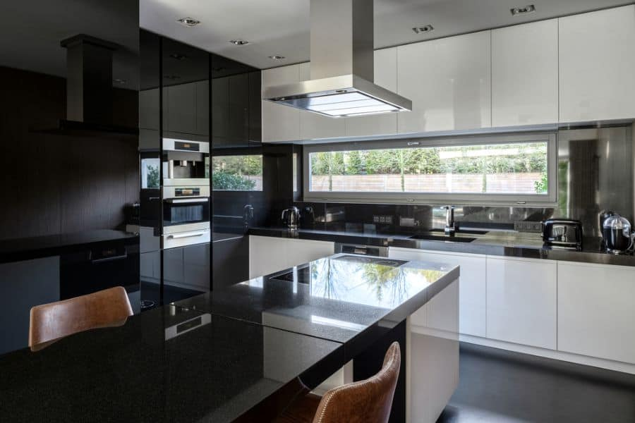 Black and White Kitchen Design Ideas for a Timeless Look