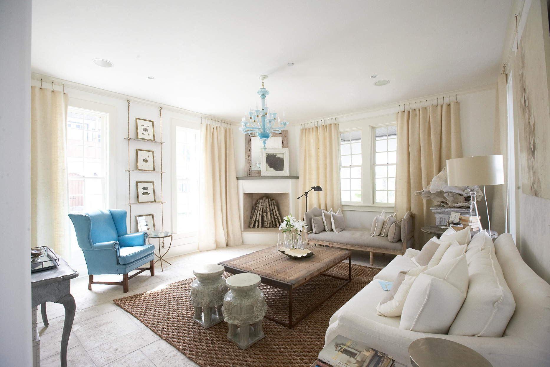 Neutral Living Room Design Ideas for A Warm and Welcoming Ambiance