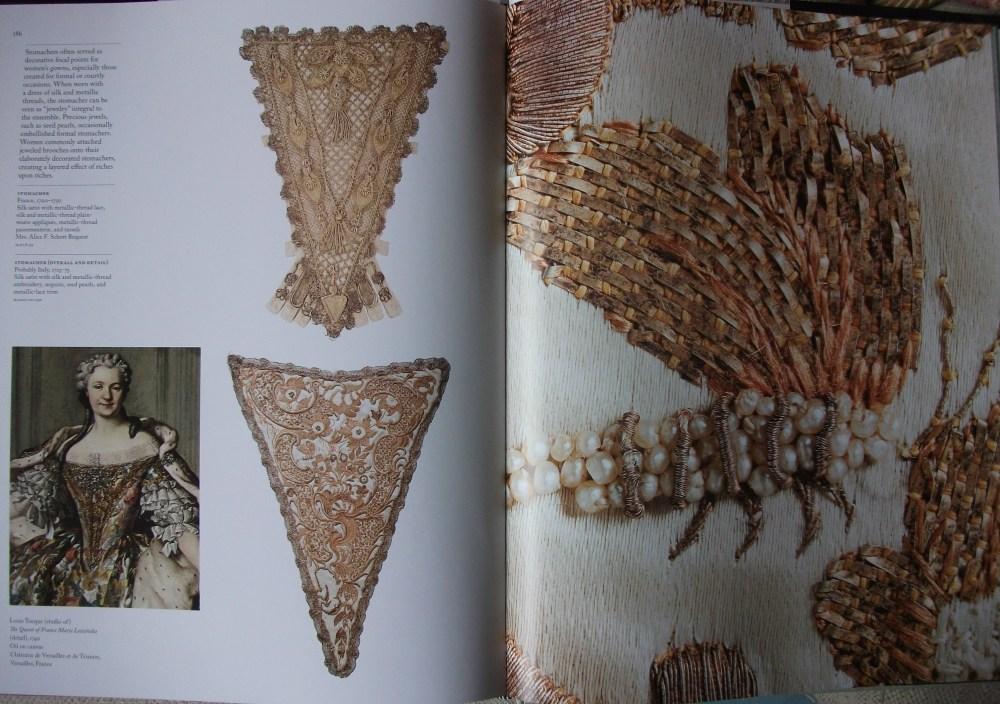 Fashioning Fashion - European Dress in Detail 1700-1915 (2/5)