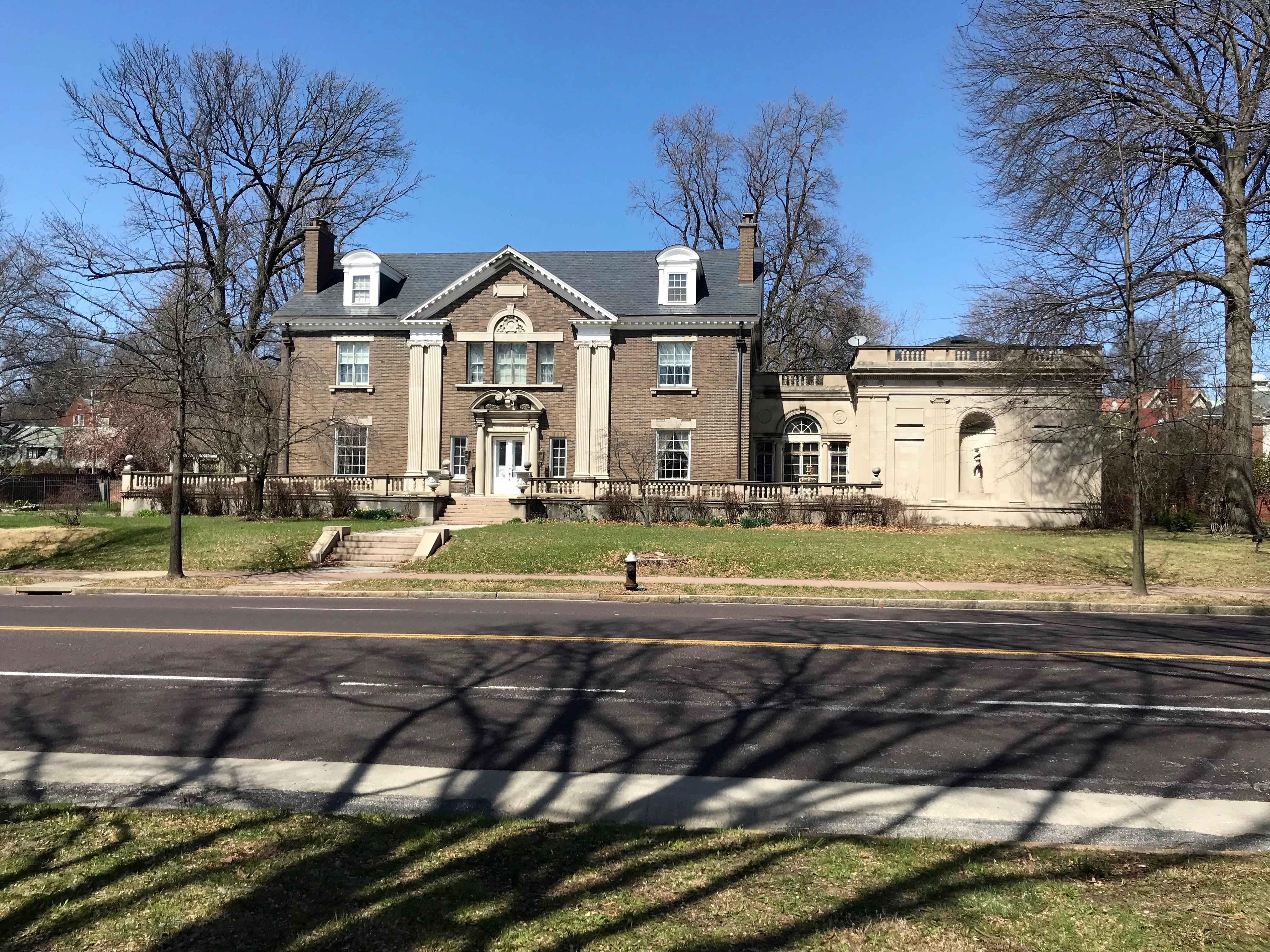 Lindell Boulevard Real Estate