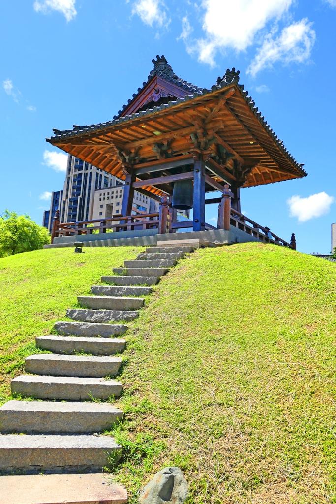 仰望 | 鐘樓 | Bell Tower | Wafu Taiwan | RoundtripJp