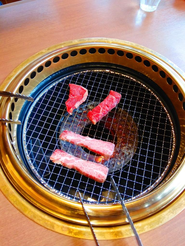日本和牛燒烤 | 烤網 | 半生熟的熟度最美味 | 日本 | Japan | 巡日旅行攝