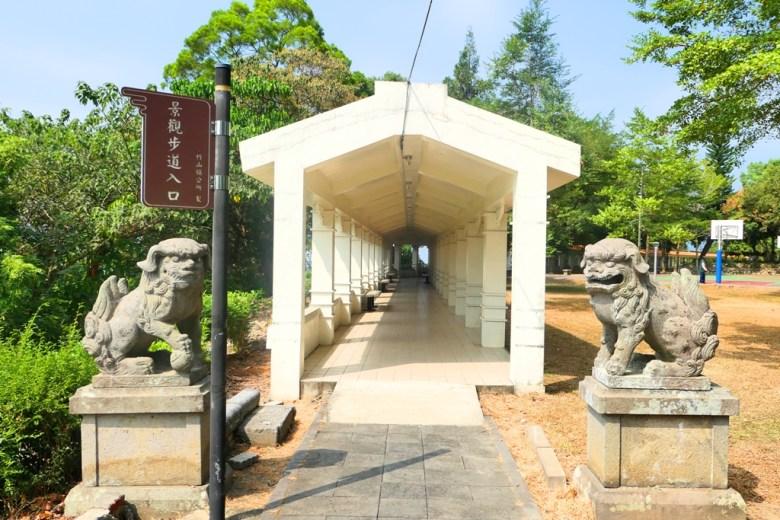 竹山神社一對狛犬 | 夢幻白色迴廊 | たけやまじんじゃ | Zhushan | Nantou | RoundtripJp