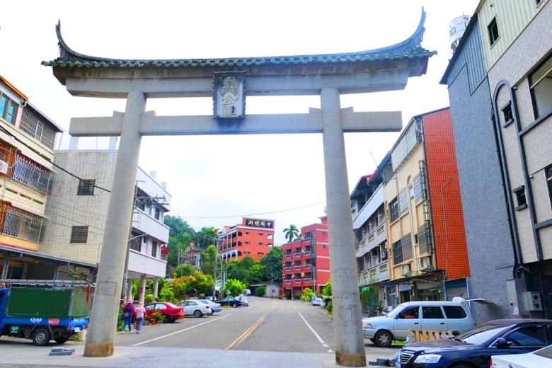 林內神社第一鳥居 | 最有原始味道的鳥居 | 林內公園 | Linnei | Yunlin | Taiwan | RoundtripJp