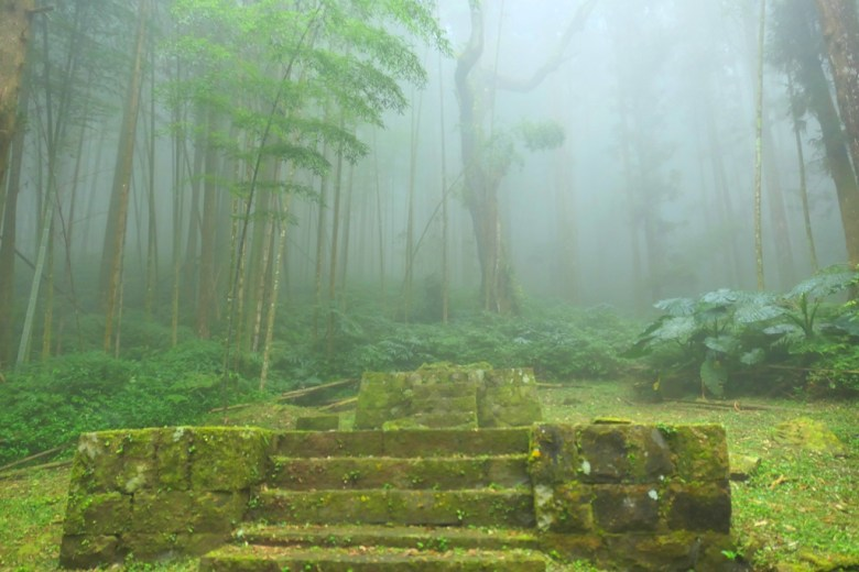 雲霧繚繞 | 奮起湖神社遺跡 | 奮起湖 | 嘉義 | 臺灣 | 巡日旅行攝