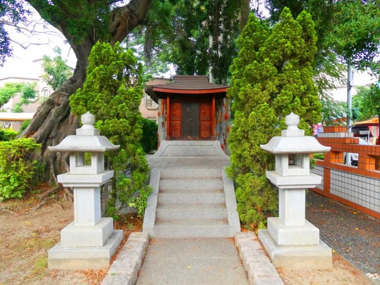 鹽水神社本殿 | 榕樹下 | 石燈籠 | 石階 | 參道 | 鹽水區 | Yanshuei District | 台南市 | Tainan | 巡日旅行攝
