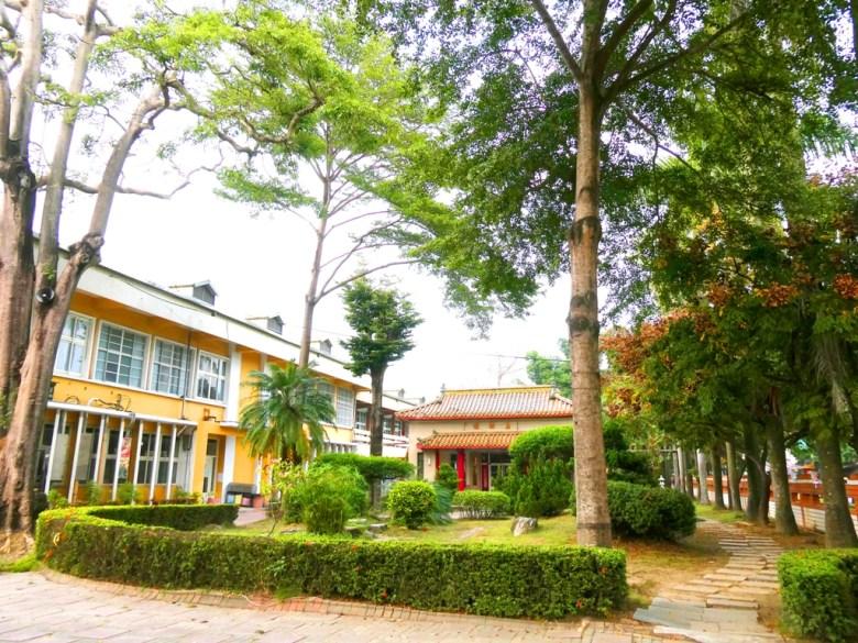 鹽水國民小學 | 右邊步道往鹽水神社方向 | 自然清新 | 台南市 | Tainan | 巡日旅行攝