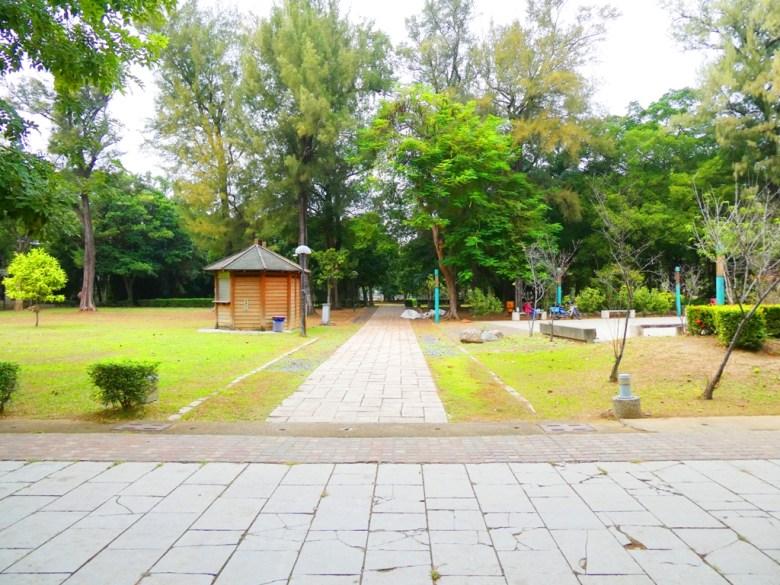 巨木參天 | 廣闊的綠地草皮 | 休閒散步 | 朴子藝術公園 | 東石 | 朴子 | 嘉義 | RoundtripJp