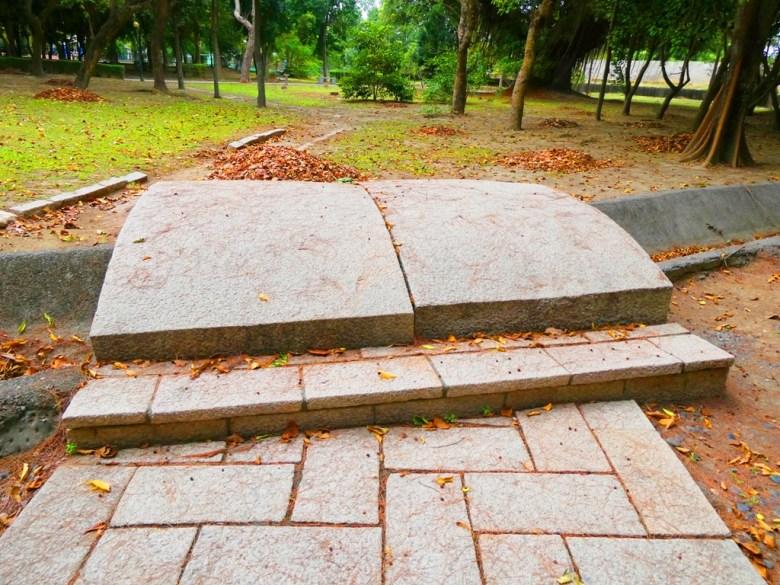 東石神社公園內 | 石橋 | 朴子藝術公園 | Dongshi | Puzi | Chiayi | RoundtripJp