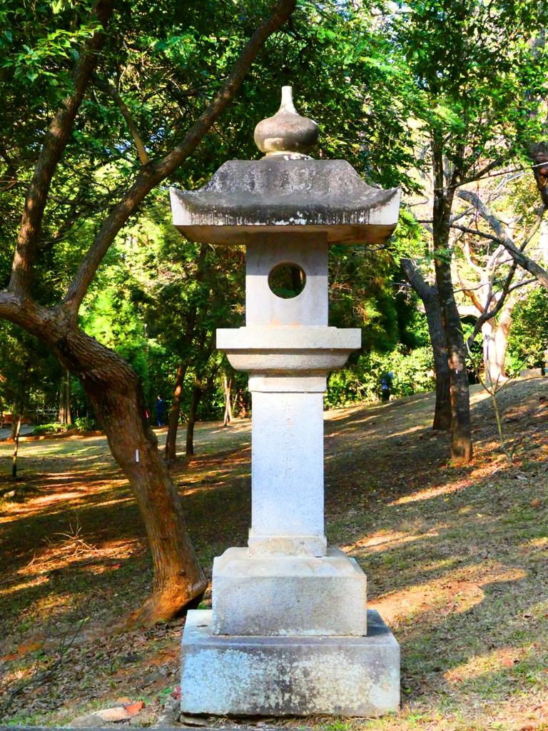 石燈籠 | 嘉義公園內 | 嘉義神社遺跡 | Chiayi Shrine Ruins | 嘉義 | 臺灣 | Chiayi | Taiwan | RoundtripJp