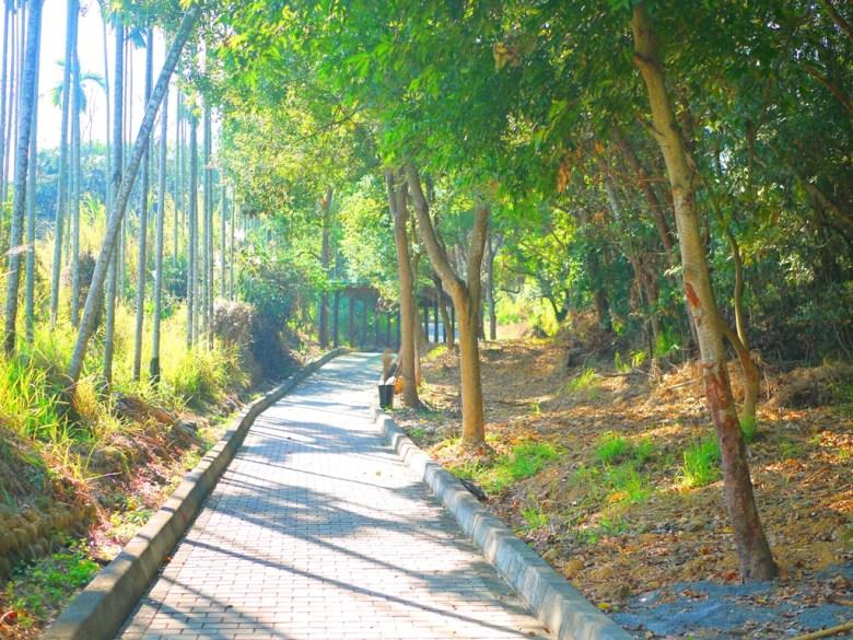 休息橋後步道 | 通往八卦路 | 通往易經大學大正門 | 通往漳和撼龍步道出入口 | RoundtripJp