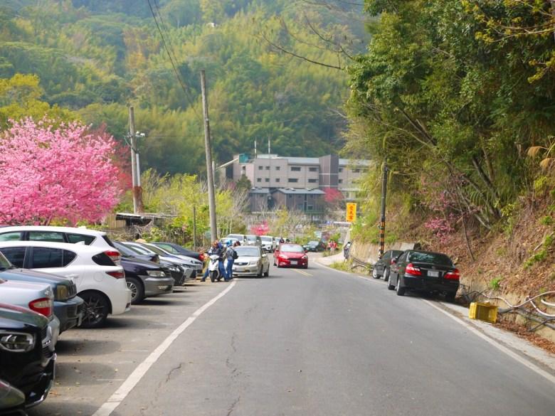 左邊為免費停車場 | 蘇家農園前免費停車場 | 石壁風景區 | Gukeng | Yunlin | RoundtripJp