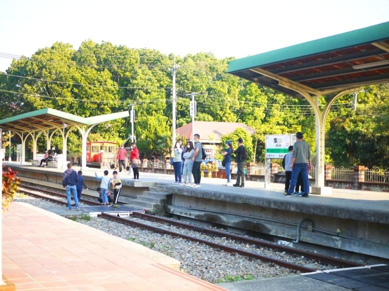 集集車站月台 | 有著日本味與臺灣傳統鐵道氛圍的車站空間 | 臺灣旅人 | 集集 | 南投 | しゅうしゅうえき | RoundtripJp