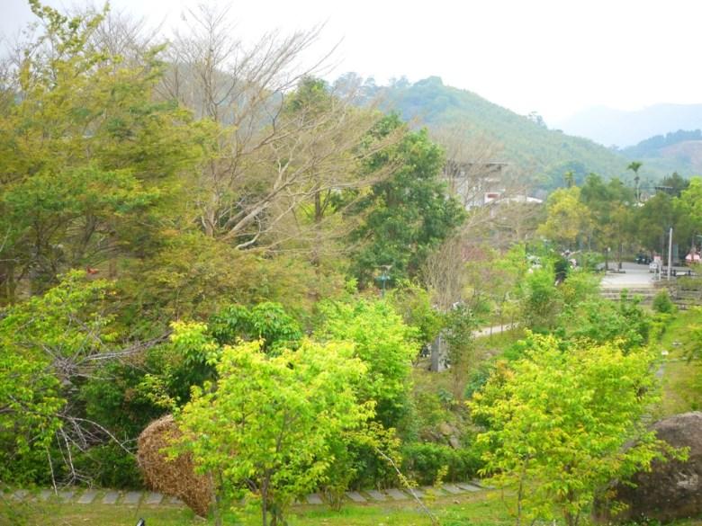 綠色森呼吸 | 親近自然 | 石頭步道 | 綠色草皮 | ルーグー | Lugu | Nantou | RoundtripJp