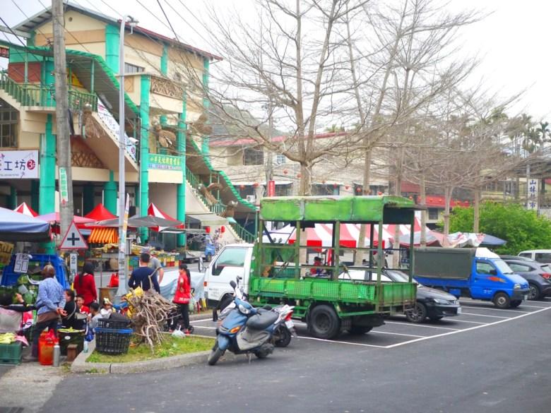 石馬公園旁免費停車場 | 免費停車場旁攤販 | 農產品 | 櫻花公園 | 日式公園 | ルーグー | Lugu | Nantou | RoundtripJp