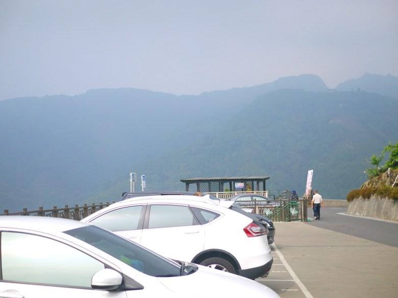 寬敞的道路 | 免費停車場 | 旁邊有洗手間 | 海拔1,300公尺 | 南投八卦茶園 | 竹山 | 南投 | 巡日旅行攝