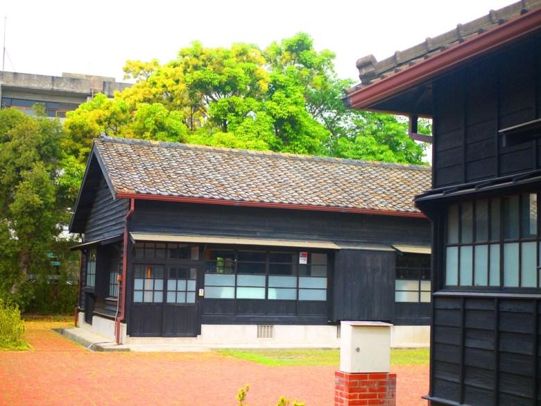 黑色典雅的日式宿舍建築 | 和風韻味 | Yuanli | Miaoli | ユエンリー | ミアオリー | RoundtripJp
